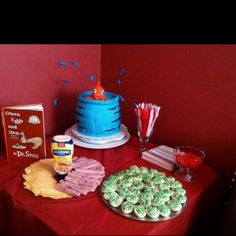 Dr. Seuss birthday party, fish in a bowl #cake