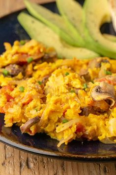Vegan Scrambled Eggs (No Tofu!) - These vegan scrambled eggs are made with chickpea flour instead of tofu for a filling and high prot - Vegan Dinner Recipes, Vegan Breakfast Recipes, Whole Food Recipes, Vegetarian Recipes, Healthy Recipes, Crowd Recipes, Savoury Recipes, Ketogenic Recipes, Vegan Meals