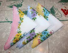 Adorable Floral Trio Printed Cotton Vintage by FelicesFinds