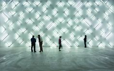 """""""Light and Space"""" installation of 115 fluorescent lights by Robert Irwin Robert Irwin installation at the Museum of Contemporary Art, San Diego Photo: Phillp Scholz Ritterman, Museum Of Cont. Site Art, Light Art Installation, Art Installations, Instalation Art, Lights Fantastic, Light And Space, Museum Of Contemporary Art, Modern Contemporary, Stage Design"""