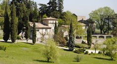 La Cardinale Le Pouzin Located in Payré, a 5-minute drive from Le Pouzin, La Cardinale offers accommodation with a seasonal outdoor pool and a terrace. Free WiFi is available throughout and there is free parking on site.