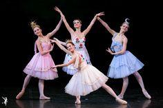 """Danza Ballet® & Body Ballet®, un estudio de ballet abierto a todas las personas que desean estudiar danza clásica, les desea un FELIZ 2016!  Próximas clases, a partir del lunes 4/1/2016.  """"Le Reveil de Flore"""" photo M.Logvinov"""