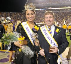 Soccer's Mo Isom Crowned Homecoming Queen