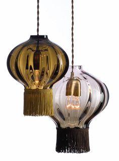 Resultados de la Búsqueda de imágenes de Google de http://www.decorahoy.com/wp-content/uploads/2008/09/rothschild-bickers-decorative-lighting-ideas-opulent-optic.jpg