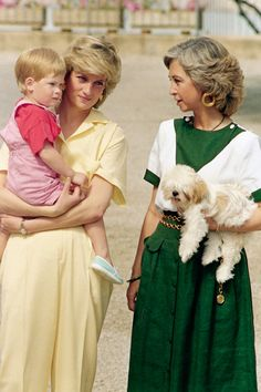 Queen Sofía of Spain, Diana, Princess of Wales and Prince Harry Princess Diana Family, Royal Princess, Prince And Princess, Lady Diana Spencer, Princesa Diana, Prinz William, Prinz Harry, Spanish Royal Family, Spanish King