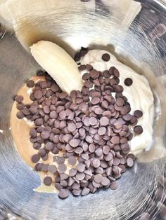 In a small bowl, place the banana, peanut butter, yogurt, and carob chips. Mix with a hand mixer until combined. Moms Best Friend, Carob Chips, Diy Dog Treats, Hand Mixer, Small Bowl, Frozen Yogurt, Peanut Butter, Oatmeal, Bacon