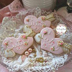 Teri Pringle Wood (@teri_pringle_wood) • Instagram photos and videos Valentines Day Cookies, Valentine Gifts, Royal Icing Cookies, Sugar Cookies, Custom Cookies, Cookie Decorating, Cookie Cutters, Wood, Videos