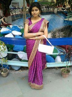 Beautiful Girl Body, Beautiful Girl Indian, Beautiful Indian Actress, Beauty Full Girl, Beauty Women, Young And The Reckless, Tamil Girls, Satin Saree, Local Girls