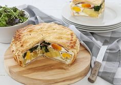 Yummy potato bacon and egg pie We added a small finely diced onion too. Clean Eating Recipes For Dinner, Quick Dinner Recipes, Vegetarian Recipes Dinner, Special Recipes, Breakfast Recipes, Easy Pie Recipes, Pork Recipes, Cooking Recipes, Easy Salads