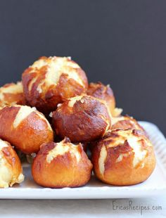 Garlic Cheese-Stuffed Pretzel Bombs 1 recipe all-purpose flour 1 egg garlic and herb cheese (I used a Garlic and Pesto . Good Food, Yummy Food, Tasty, Cheese Bombs, Garlic Cheese, Appetizer Recipes, Quick Appetizers, Relleno, 1 Egg