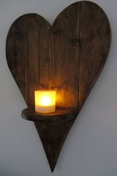 55 cm Herz geformt Wandleuchte Led Kerze Halter Reclaimed - All For Remodel İdeas Country Decor, Farmhouse Decor, Diy Bedroom Decor, Diy Home Decor, Wood Patio Furniture, Small Wood Projects, Candle Wall Sconces, Pallet Art, Wooden Hearts