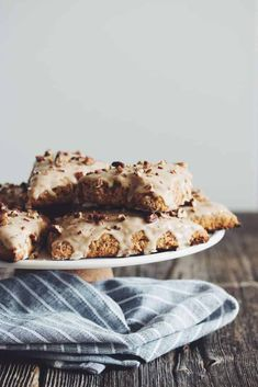 Pumpkin spice is everything nice! Try these scrumptious and vegan pumpkin scones with maple glaze for breakfast, brunch, or a mid-day coffee break. Vegan Sweets, Vegan Desserts, Vegan Recipes, Scone Recipes, Fall Recipes, Breakfast Recipes, Fall Desserts, Vegan Snacks, Brunch Recipes