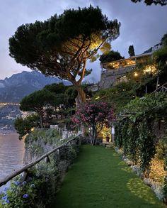 Romantic Places, Beautiful Places, Dream Vacations, Vacation Trips, Vacation Travel, Places To Travel, Places To Go, Jolie Photo, Travel Aesthetic