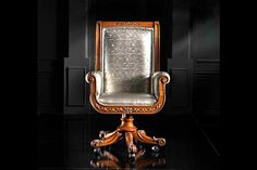 Best selection of sophisticated Desk Chairs to work - a very elegant and feminine desk chair