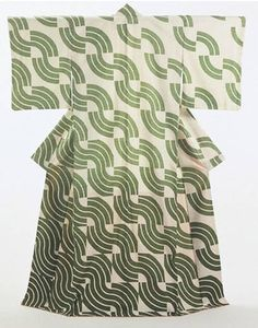 Green Waves Japan 1973 'Plain-weave silk, with paste-resist decoration (yuzen)' Length 169 cm x width 131 cm FE.420:1-1992