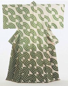 Green Waves Japan 1973 'Plain-weave silk, with paste-resist decoration (yuzen)' Length 169 cm x width 131 cm FE.420:1-1992