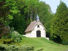 LOWER NORMANDY - CHATEAU 20HA LISIEUX for sale