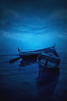 dontcallmebetty: (via DSC_5257: Photo by Photographer Teuku Jody Zulkarnaen – photo.net) blue rowboats