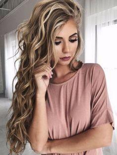 60+ Beautiful Beach Hairstyles Ideas For Summer 2017 https://montenr.com/60-beautiful-beach-hairstyles-ideas-for-summer-2017/