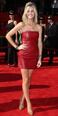 Super Ideas For Sport Girl Fashion Brooklyn Decker Red Leather Dress, Leather Dresses, Real Leather, Beautiful Legs, Gorgeous Women, Brooklyn Decker, Girl Celebrities, Trends, Sexy Dresses