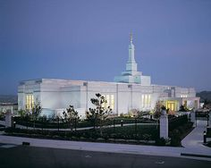 I want this  Mormon Temple Reno Nevada / http://www.dancamacho.com/mormon-temple-reno-nevada-3/