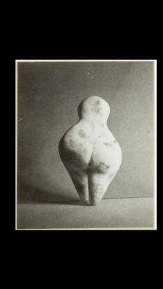 """Brassaï - """" Amuletta I """", 1971 - Épreuve contact aux sels d'argent d'après le marbre blanc et rose - 16,2 x 9 x 4 cm (*)"""