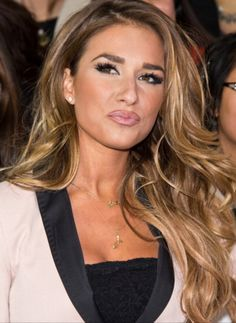 J Jessie James, Love Hair, Great Hair, Jesse James Decker Hair, Style Kylie Jenner, Kendall Jenner, Corte Y Color, Hair Color And Cut, Balayage Hair