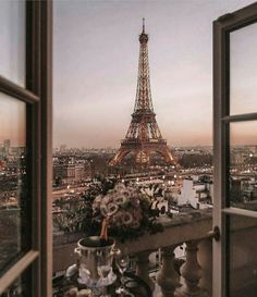 City Aesthetic, Travel Aesthetic, Photo Wall Collage, Picture Wall, Hotel Des Invalides, Belle France, Travel Wallpaper, Europe Wallpaper, Paris France