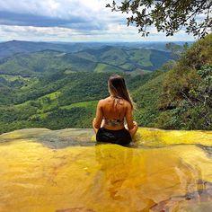 """Vista Maravilhosa! Location: Janela do Ceu - Parque Estadual do Ibitipoca, Minas Gerais, Brasil. Photo Credit: @nataliesouza"""