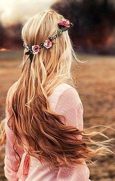 long wavy hair + flower crown = hippie hair<3