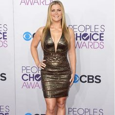 Yowza Alison Sweeney! Looking better than ever at the People's Choice Awards.