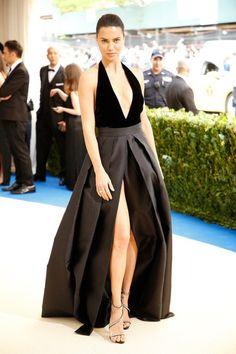 iconicpopstar: Adriana Lima in custom Alberta Ferretti at the