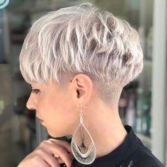 pixie hairstyles New Pixie Haircut Ideas for 2019 Long Layered Pixie Cut Short Grey Hair, Short Blonde, Short Hair Cuts For Women, Rose Blonde, Side Cut Hairstyles, Hairstyles Haircuts, Very Short Hairstyles, Blonde Hairstyles, Pixie Cut Kurz