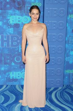 Emilia Clarke Photos Photos - Actress Emilia Clarke attends HBO's Official 2016 Emmy After Party at The Plaza at the Pacific Design Center on September 18, 2016 in Los Angeles, California. - HBO's Post Emmy Awards Reception - Arrivals