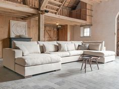 #leefhoek van het model Fullham Home Living Room, Living Room Designs, U Shaped Sofa, Welcome To My House, Great Rooms, Interior Decorating, New Homes, House Design, House Styles