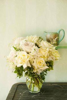 Gorgeous rose centerpiece {Floral V Designs} #weddings