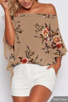 We are currently obsessing over this blouse. It adorned with floral print, off shoulder and splited design. Style it with mini skirts will be perfect.
