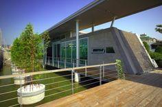 Tea Pavilion on the Water / Tze-Chun Wei