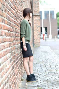 outfit casual sweater and black pencil skirt wedge sneakers