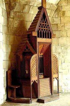 Sagrada Familia / Cabinet-work / Crypt's Confessional