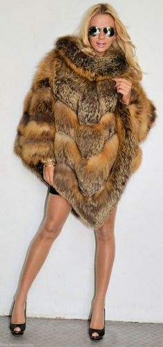 This #fur coat screams let's party!!! http://www.fursbygartenhaus.com/