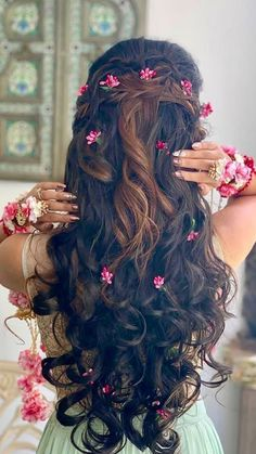 Tips For Changing Your Hairstyle – Hair Wonders Bridal Hairstyle Indian Wedding, Bridal Hair Buns, Hairdo Wedding, Wedding Hairstyles For Long Hair, Short Hair, Bridal Hairstyle For Reception, Bridal Hairdo, Indian Hairstyles, Bride Hairstyles