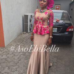 Hello Gorgeous, We are a sucker when it comes to fashion, and we do not shy away from beautiful Aso Ebi outfits. The revamped Aso Ebi outfits have come to give us a run for our money and we are no… African Attire, African Wear, African Women, African Kids, African Style, Lace Dress Styles, Blouse Styles, Ankara Skirt And Blouse, Aso Ebi Styles