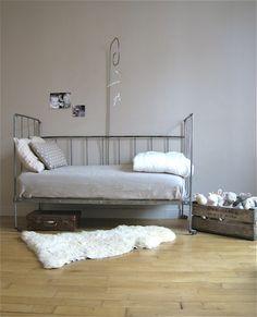 vieux lit en fer termin good relooking fi re de moi un petit. Black Bedroom Furniture Sets. Home Design Ideas