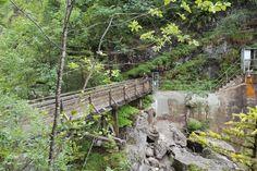 <p>Eine+herrliche+Wanderung+vorbei+an+gutbürgerlichen+Almen+und+Cafés...</p> Baumgarten, Garden Bridge, Outdoor Structures, Mountain Climbing, Tourism, Road Trip Destinations, Tours