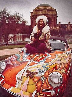 Janis Jo[lin's car | star-cars_janis-joplin-porsche_janis-on-car