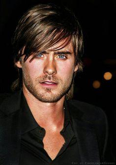 Love him, love those eyes Jared Leto