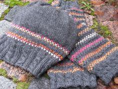 Neuleohjeita – Katrin käsityöt Fingerless Gloves, Arm Warmers, Knitted Hats, Knitting Patterns, Winter Hats, Socks, Crafts, Craft Ideas, Fashion