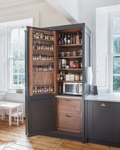 Pantry Shelving Ideas - Designs & Ideas for Kitchen Shelves & Custom Pantries Pantries are practical additions to any home. From simple solutions to elaborate showcases, here are great walk in pantry shelving ideas. Best Kitchen Cabinets, Farmhouse Kitchen Cabinets, Kitchen Cabinet Design, Rustic Kitchen, Diy Kitchen, Kitchen Decor, Kitchen Ideas, Kitchen Corner, Kitchen Inspiration