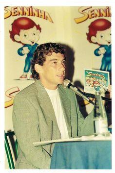 """O projeto revista """"Senninha e sua Turma"""" foi criado, planejando e implementado por Ayrton Senna no inicio de 1994. Mas infelizmente o projeto, que era 100% beneficente, foi desativado. -Fonte: http://esporte.uol.com.br/f1/ultimas-noticias/2010/11/10/criadores-de-senninha-alegam-que-nunca-receberam-por-direitos-autorais.jhtm"""